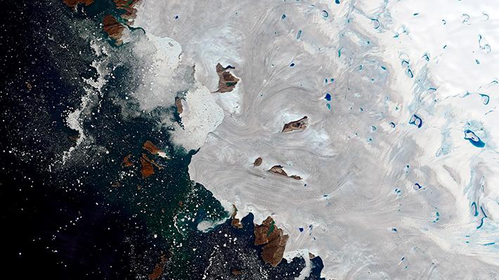 Ola de calor provoca derretimiento masivo de hielo ártico en Groenlandia que suma 11 mil millones de toneladas