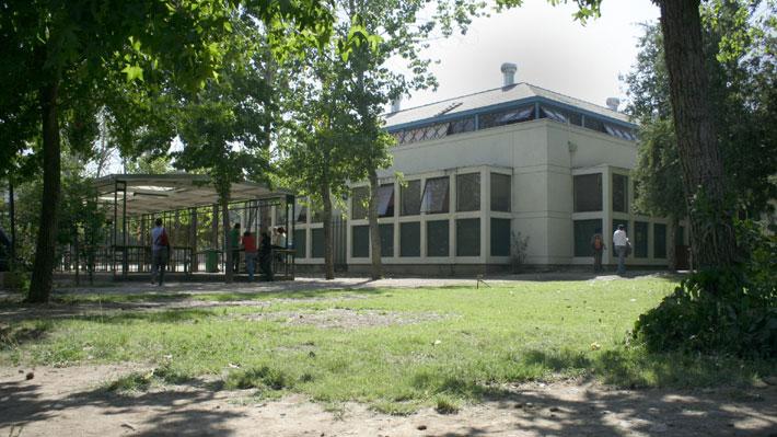 U. de Chile revisa seguridad y normas de acceso al campus Juan Gómez Milla tras agresiones a dos alumnos