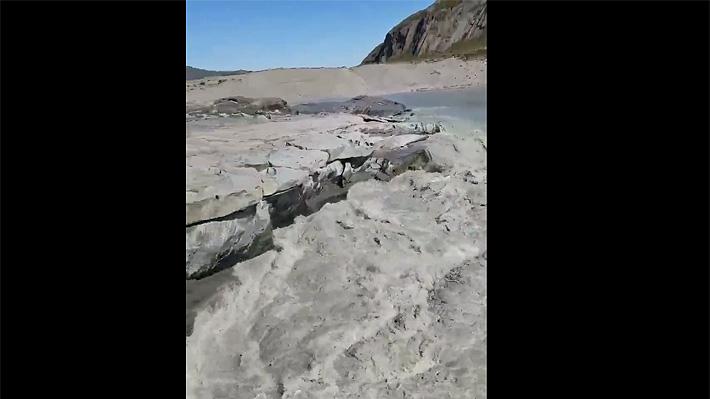 Video: Glaciares se transforman en fuertes torrentes de agua tras deshielos provocados por altas temperaturas en Groenlandia