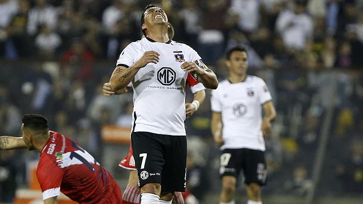 Colo Colo hace un mal partido, pierde con Curicó y queda a nueve puntos del líder UC