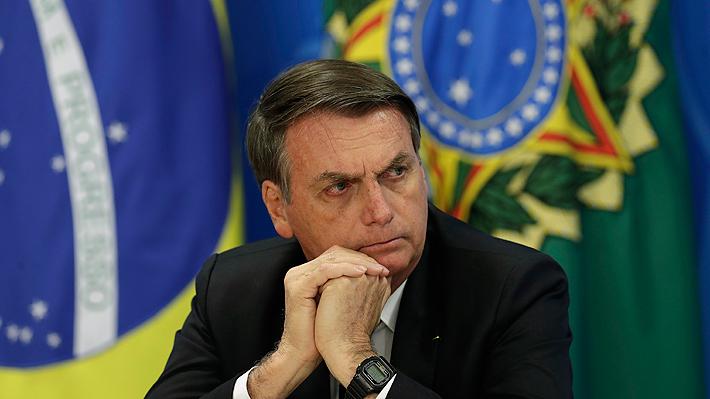 """Bolsonaro hace caso omiso a críticas e insiste en que Brasil """"lo tiene todo para desarrollar"""" su Amazonía"""