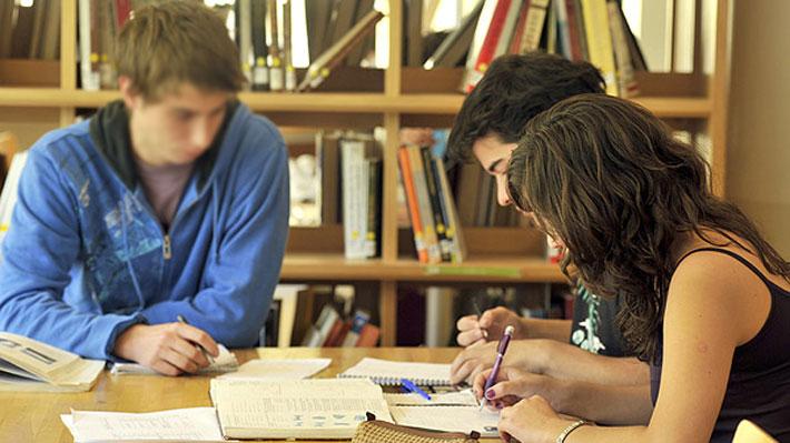 Encuesta Nacional de Juventud: 21% ha sido víctima de ciberacoso y 25% de violencia en su lugar de estudios