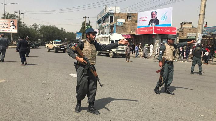 Atentando con vehículo cargado de explosivos deja al menos 95 personas heridas en Afganistán