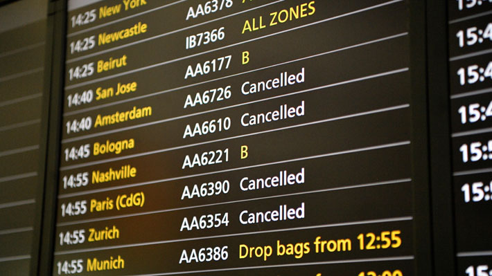 Fallo informático en aerolínea británica genera caos en varios aeropuertos de Reino Unido
