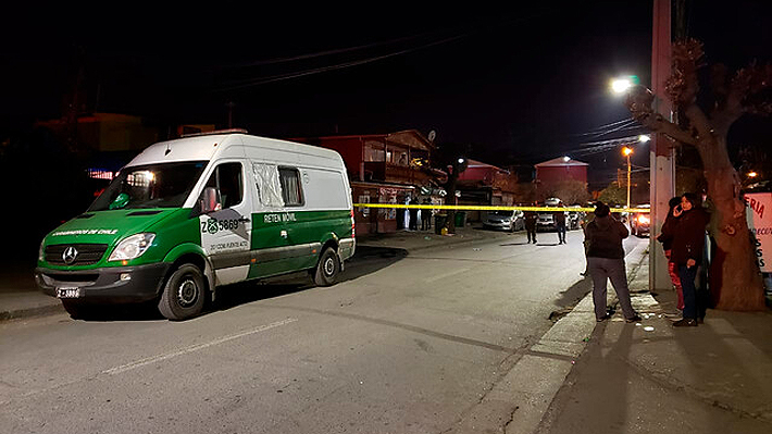 Balacera deja cinco fallecidos en Puente Alto: Sujeto abrió fuego con un arma modificada al interior de local comercial