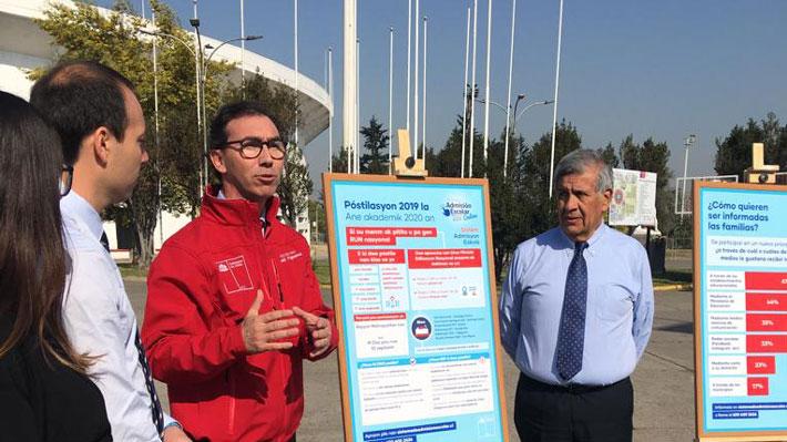 Debut del SAE en la RM: Mineduc anuncia mejoras en la plataforma y ayuda a migrantes