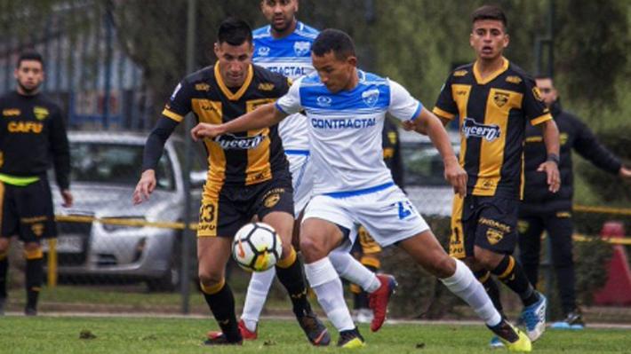 Video: El insólito autogol que marcó defensor de Fernández Vial en la Segunda División
