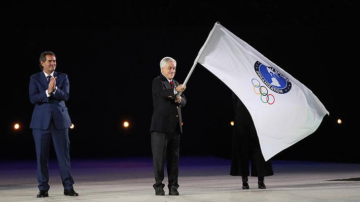Presidente Piñera recibe la bandera de los Panamericanos para Santiago 2023 en un espectacular cierre de Lima 2019