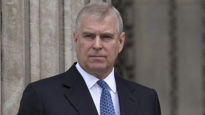 """Caso Epstein: Realeza británica niega """"categóricamente"""" las acusaciones de abuso sexual contra el príncipe Andrés"""
