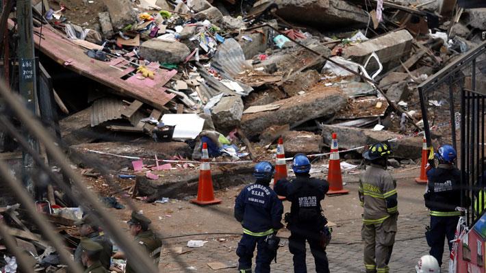 """""""En cualquier momento se iba a caer"""": El relato de los vecinos de la casa que se derrumbó en Valparaíso"""