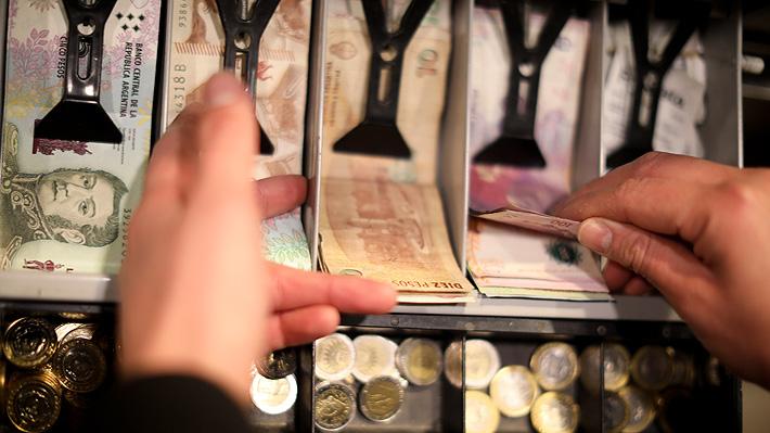 Peso argentino se recupera frente al dólar tras jornadas de fuertes bajas post elecciones primarias