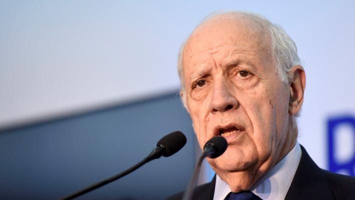 Candidato presidencial argentino suspende su campaña electoral por la crisis y pide a los aspirantes hacer lo mismo