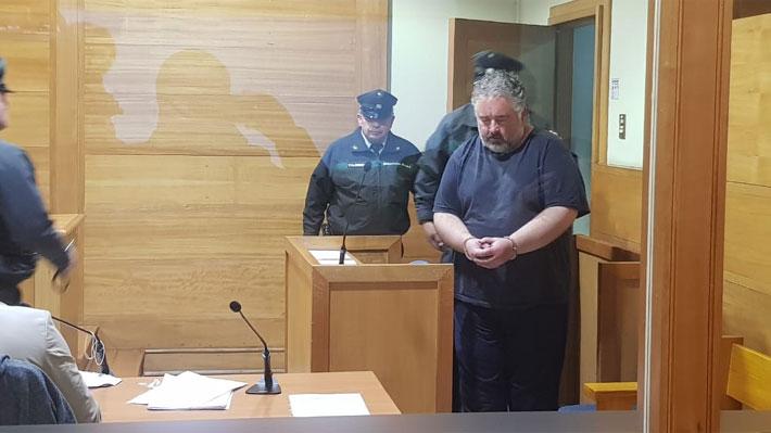 """Extranjero detenido por hacer """"perro muerto"""" asegura que hacía """"un experimento social"""" y fiscalía buscará su expulsión"""