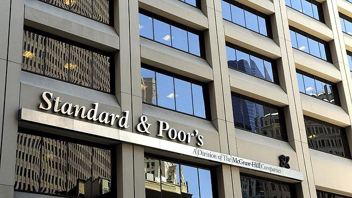 "Clasificadora S&P se suma a Fitch y degrada nota crediticia de Argentina ante ""la pronunciada turbulencia del mercado"""