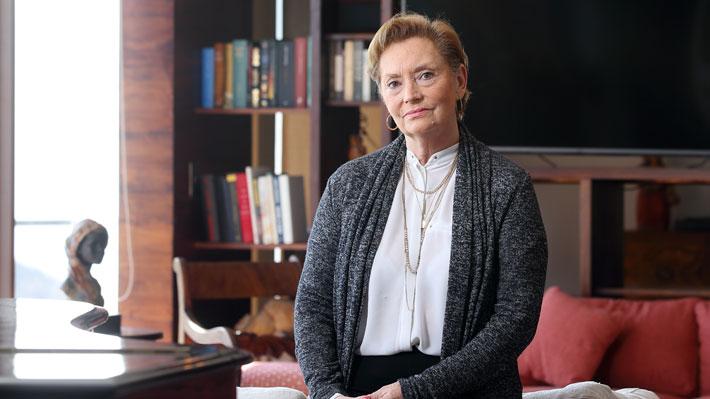 """Vivianne Blanlot, ex ministra de Bachelet: """"Ella no tiene relevancia política en Chile"""""""