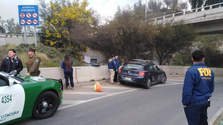 """Intento de robo de auto mediante """"encerrona"""" terminó con balacera en Vitacura: Hijo de la víctima estaba en el vehículo"""