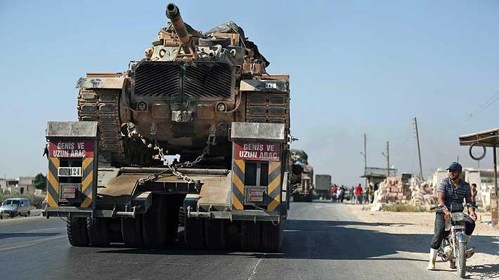 """Siria denuncia envío de convoy militar turco """"lleno de municiones"""" a ciudad clave de Idlib"""