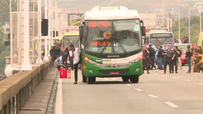 Hombre es abatido por la policía tras secuestrar un autobús con 37 personas en Río de Janeiro