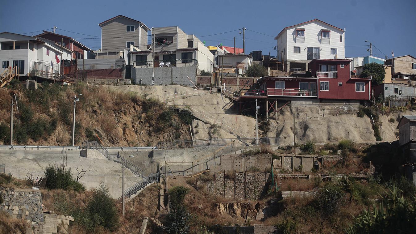 Siete cerros de Valparaíso tendrían sus suelos deteriorados, según estudio