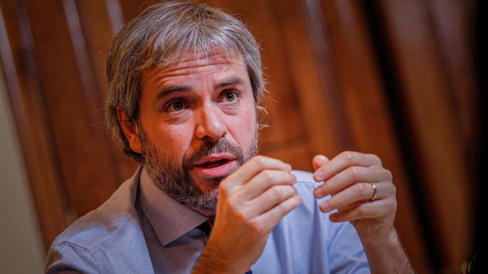 """Blumel pide levantar prohibición de ingreso de subsecretarios a comisiones: """"No ha ocurrido en los últimos 30 años"""""""