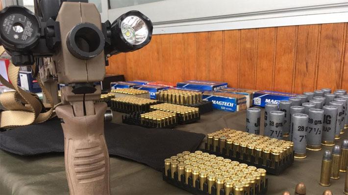 Incautan adaptador, drogas y municiones en casa de población de Puente Alto donde ocurrió fatal balacera