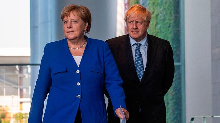 Merkel y Johnson creen que es posible lograr un acuerdo por el Brexit aunque mantienen sus posturas