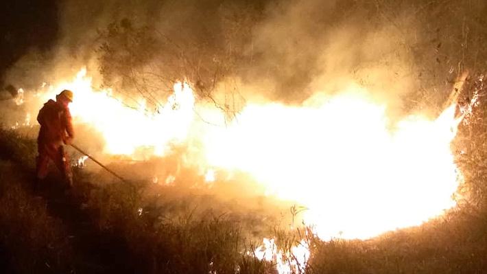 Gobierno de Bolivia anuncia el arriendo del SuperTanker para combatir el feroz incendio forestal