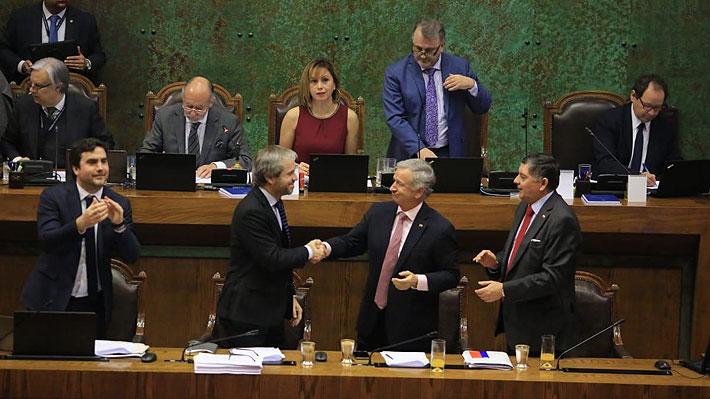 """Gobierno celebra aprobación de la reforma tributaria en la Cámara: """"En Chile es posible llegar a acuerdos"""""""