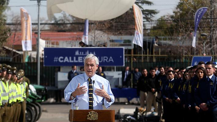 """Piñera anuncia que insistirá con un proyecto de ley """"antiencapuchados"""": """"Espero que la segunda sea la vencida"""""""