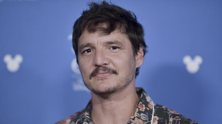 """El chileno Pedro Pascal protagoniza el primer tráiler de la serie de Star Wars """"The Mandalorian"""""""