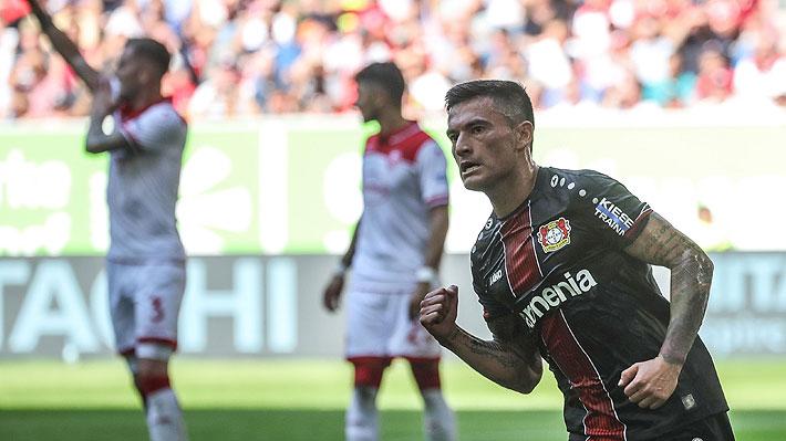 Perfecto control de pecho y un cañonazo al ángulo: Mira el golazo de Charles Aránguiz en el triunfo del Leverkusen