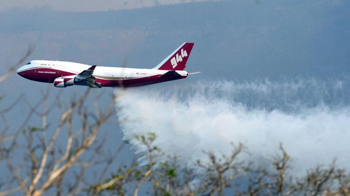 """Gobierno de Bolivia calificó como un """"éxito"""" el trabajo del Supertanker para apagar incendios"""