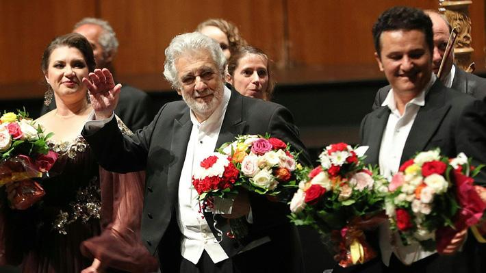 Plácido Domingo fue ovacionado en su primera presentación en público tras ser acusado de acoso sexual