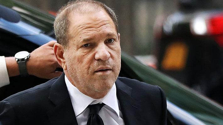 Harvey Weinstein es inculpado de nuevos cargos de agresión sexual y el juicio en su contra es aplazado hasta enero
