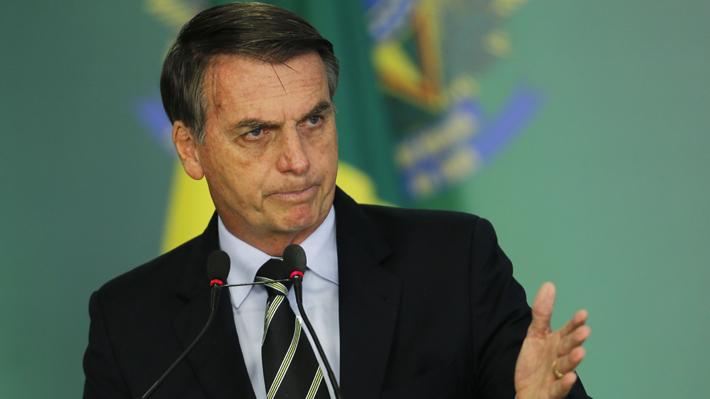 """Bolsonaro dice que aceptará ayuda del G7 para la Amazonía si Macron retira """"los insultos que hizo contra mí"""""""
