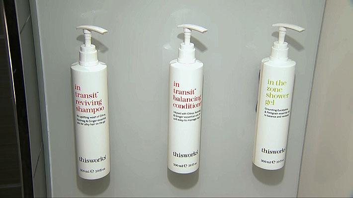 Cadena hotelera más grande del mundo dejará de usar mini botellas de shampoo, bálsamo y gel de baño en sus habitaciones