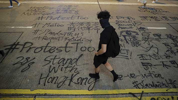 Hong Kong: Atacan al coordinador de la organización que convoca a las marchas masivas