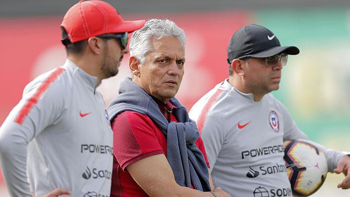 """Rueda explica la tardía integración de Alexis, el llamado a Bravo y deja en duda quién será capitán de la """"Roja"""""""