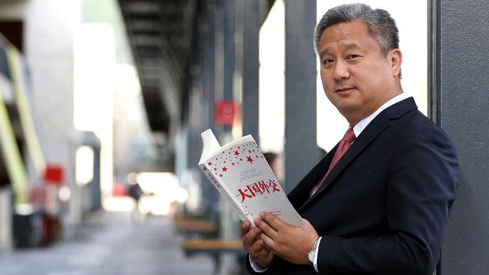 """Yun Tso Lee analiza tensión por Hong Kong: """"Enroncha a cualquier país cuando se meten otros Estados a intervenir"""""""