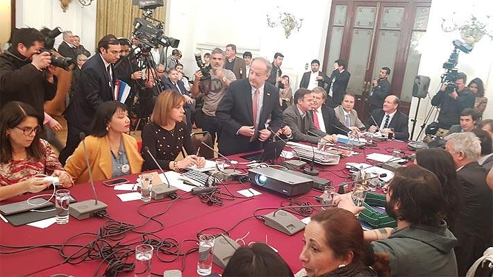 """Pymes critican forma en que se ha debatido """"40 horas"""" y exigen ser escuchados por diputados"""