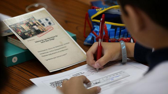 ¿Fin de las notas hasta 4° básico?: Expertos analizan el impacto del proyecto que se debate en el Senado
