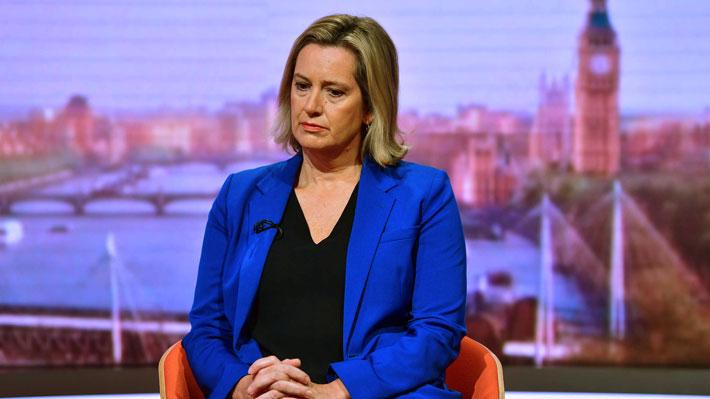 """Recién renunciada ministra británica de Trabajo acusa que Johnson """"no intenta conseguir acuerdo de Brexit"""""""