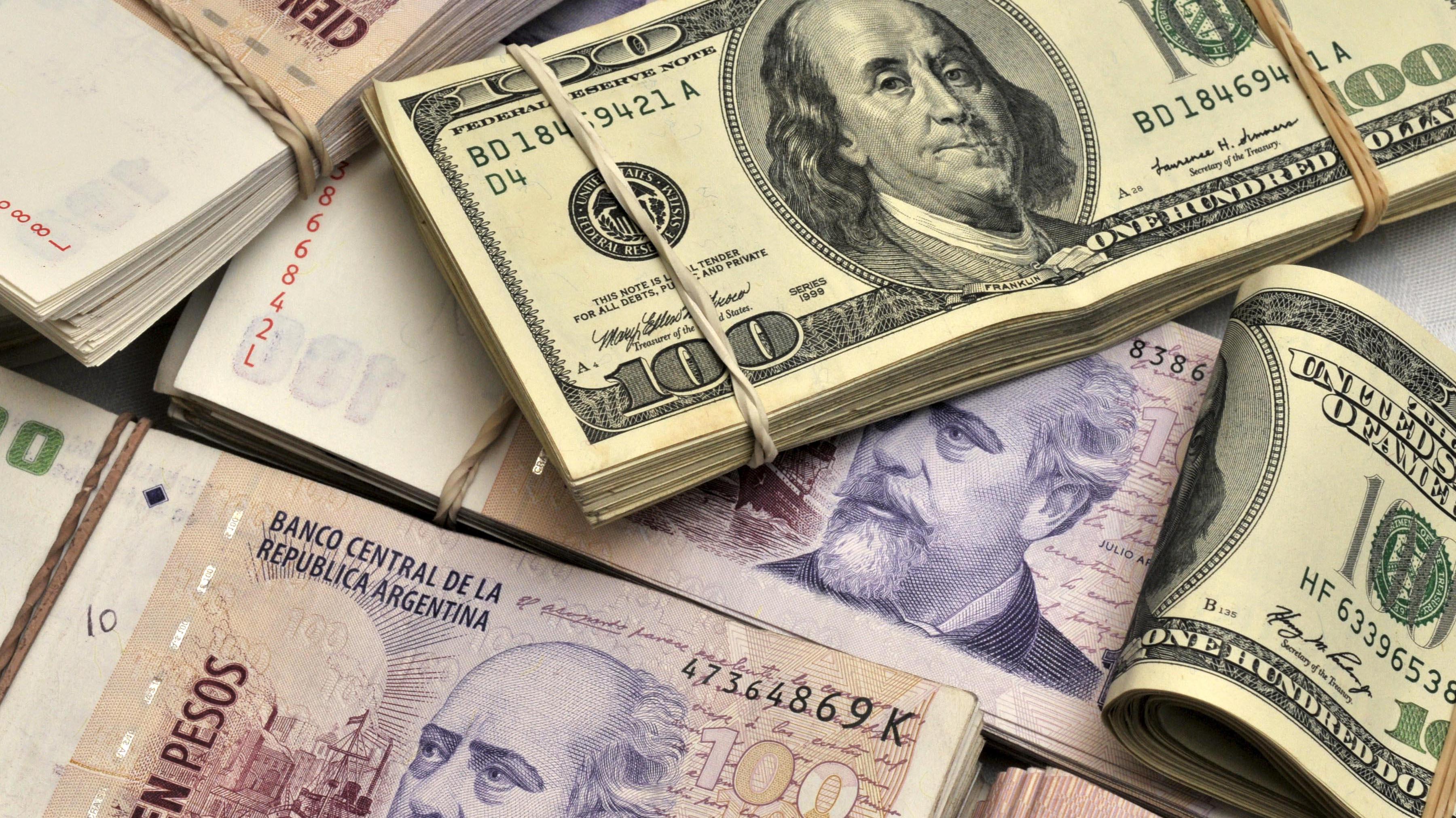 """Diario económico estadounidense propone a Argentina """"adoptar dólar como moneda nacional"""" para hacer frente a crisis"""