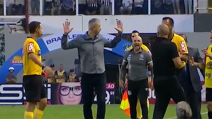 Día de furia de Sampaoli en Brasil... Casi se va a los golpes con el DT del Atlético Paranaense en empate ante el Santos