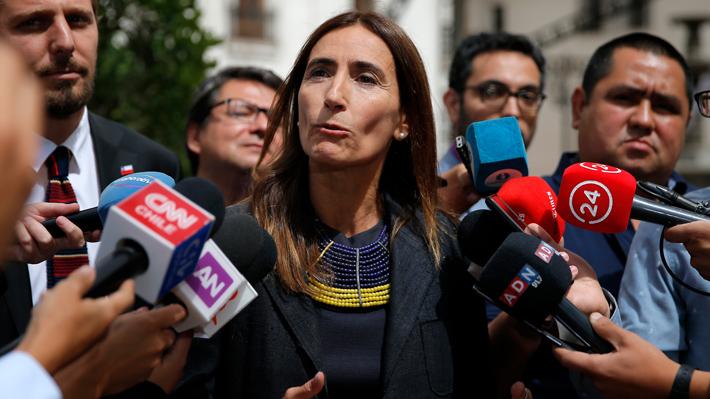 """Ministra Schmidt y dichos de Barros por COP25: """"Lo que corresponde es actuar"""""""