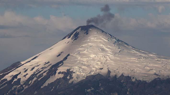 Sernageomin declara alerta técnica naranja para el volcán Villarrica por aumento de actividad sísmica