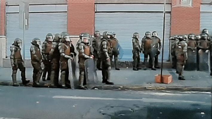 Tras semanas de relativa calma, encapuchados vuelven a lanzar molotov desde el Instituto Nacional
