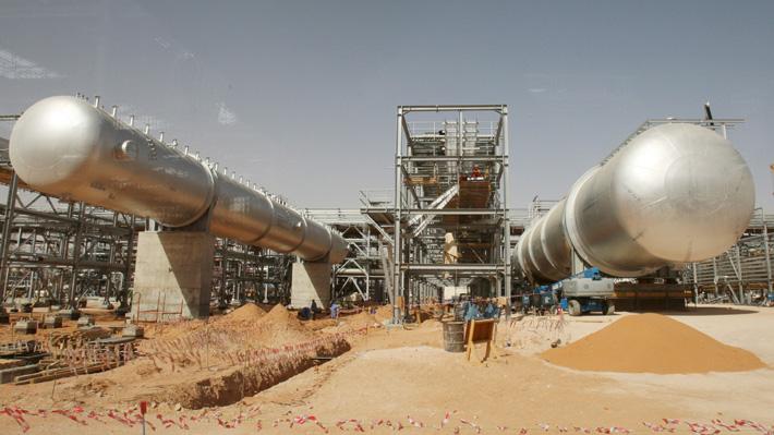 Arabia Saudita intenta restablecer producción de crudo tras ataque atribuido a Irán