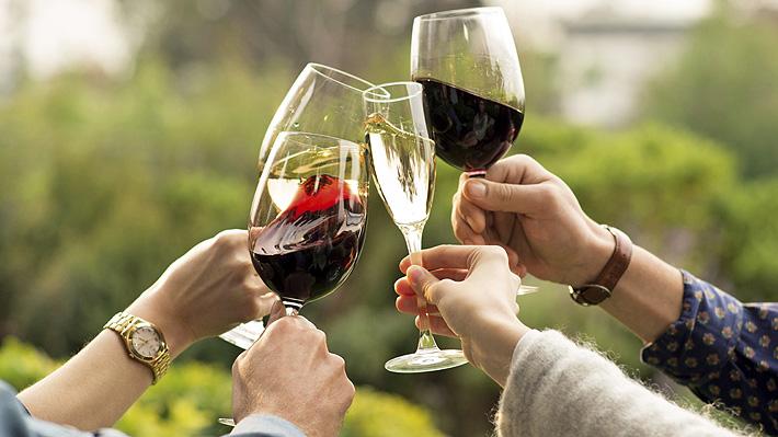 Resaca vs. intoxicación alcohólica: ¿Cuándo es necesario recurrir a un servicio de urgencia?