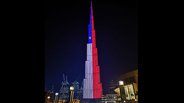 Edificio más alto del mundo brinda homenaje a Chile y proyecta colores de la bandera por Fiestas Patrias